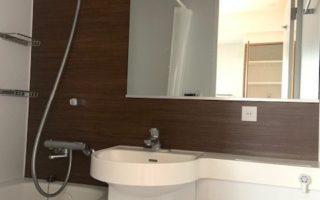 ホテル仕様のをウォシュレット付きユニットバス(風呂)